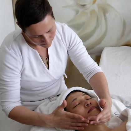 5 Sesiones de Tratamiento Facial Tensor y Radiofrecuencia en el Spa Five Senses Granada