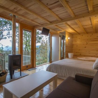 Bono Regalo en las Cabañitas del Bosque con Desayuno, Bombones y Cava en Outes