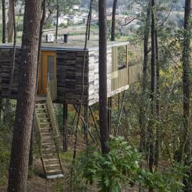 Voucher nas Cabañitas del Bosque com Pequeno-almoço e Kit de Lenha