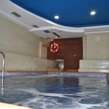 Escapada de Una Noche con Cena y Spa en Hotel Junquera de Vigo