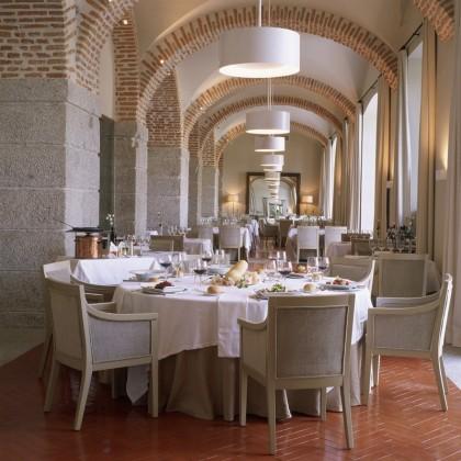 Mesa de Experiência de Presente para duas pessoas com almoço ou jantar nos Paradores