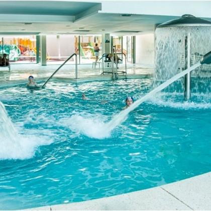Voucher Estadia com Circuito e Massagem no Hotel Spa Aqua Center Deloix